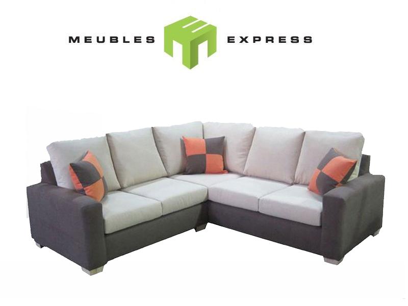 Petit sofa sectionnel table de lit a roulettes for Petit divan lit